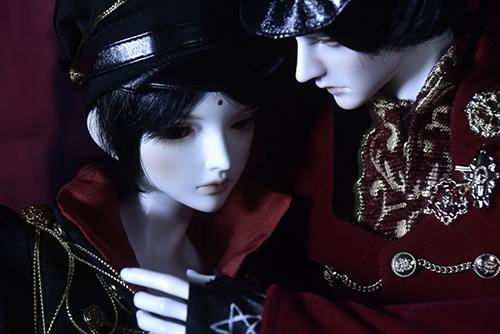 『戦国奇譚妖刀伝』の森蘭丸をモデルとした、Asleep Eidolon、Evanの蘭。「帝都物語」の加藤保憲としてお迎えした、Ringdoll、Dracula-Style B。二人の一夜の物語。