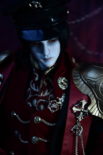 「帝都物語」の加藤保憲としてお迎えした、Ringdoll、Dracula-Style Bの正装。