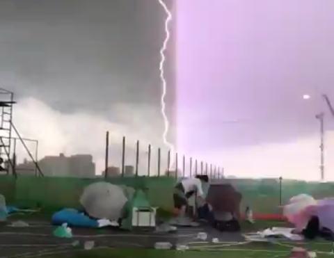 多摩川花火大会 豪雨 暴風 落雷 ゲリラ豪雨
