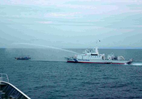 北朝鮮 EEZ 不法操業 イカ 干イカ 海上保安庁 放水