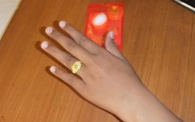 パタヤ Jaちゃん15 最終日指輪を填めてもらう (2)