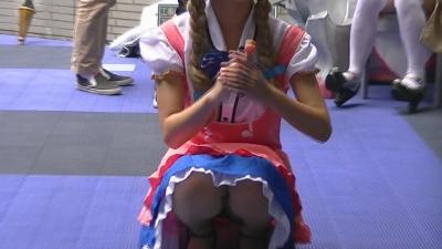 「キャンデー片手の コスプレイヤー」 見えて いる ? 【世界コスプレサミット】 5 (1)