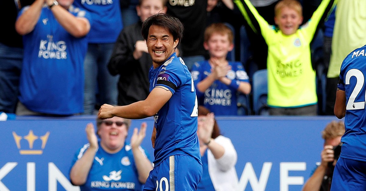 Leicester City lead 1-0 against Brighton at half time with Okazaki scoring after 52 seconds