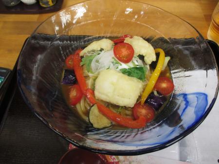 ハモ天と夏野菜の冷し和レーうどん