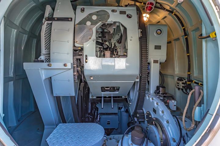 TV3513 練習艦 しまゆき 62口径76mm速射砲 62口径76mm単装速射砲 砲塔背面ハッチ内部