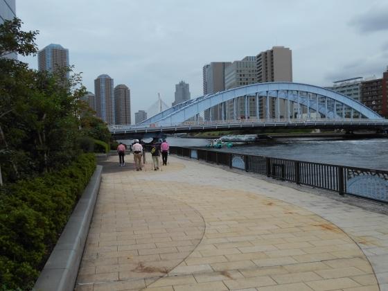 永代橋をめざす