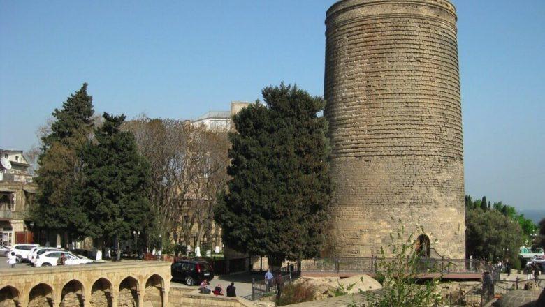 世界遺産・城壁都市バクー、シルヴァンシャー宮殿、及び乙女の塔-780x440