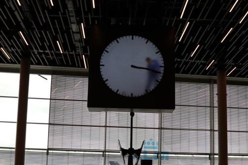 アムステルダム空港の時計
