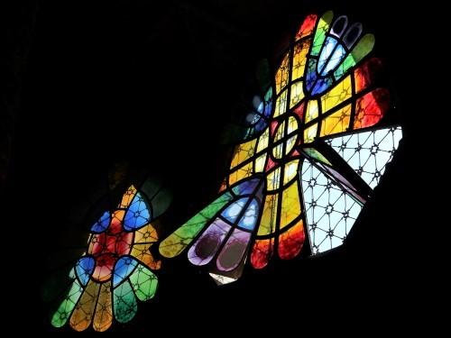 コロニアグエル教会窓