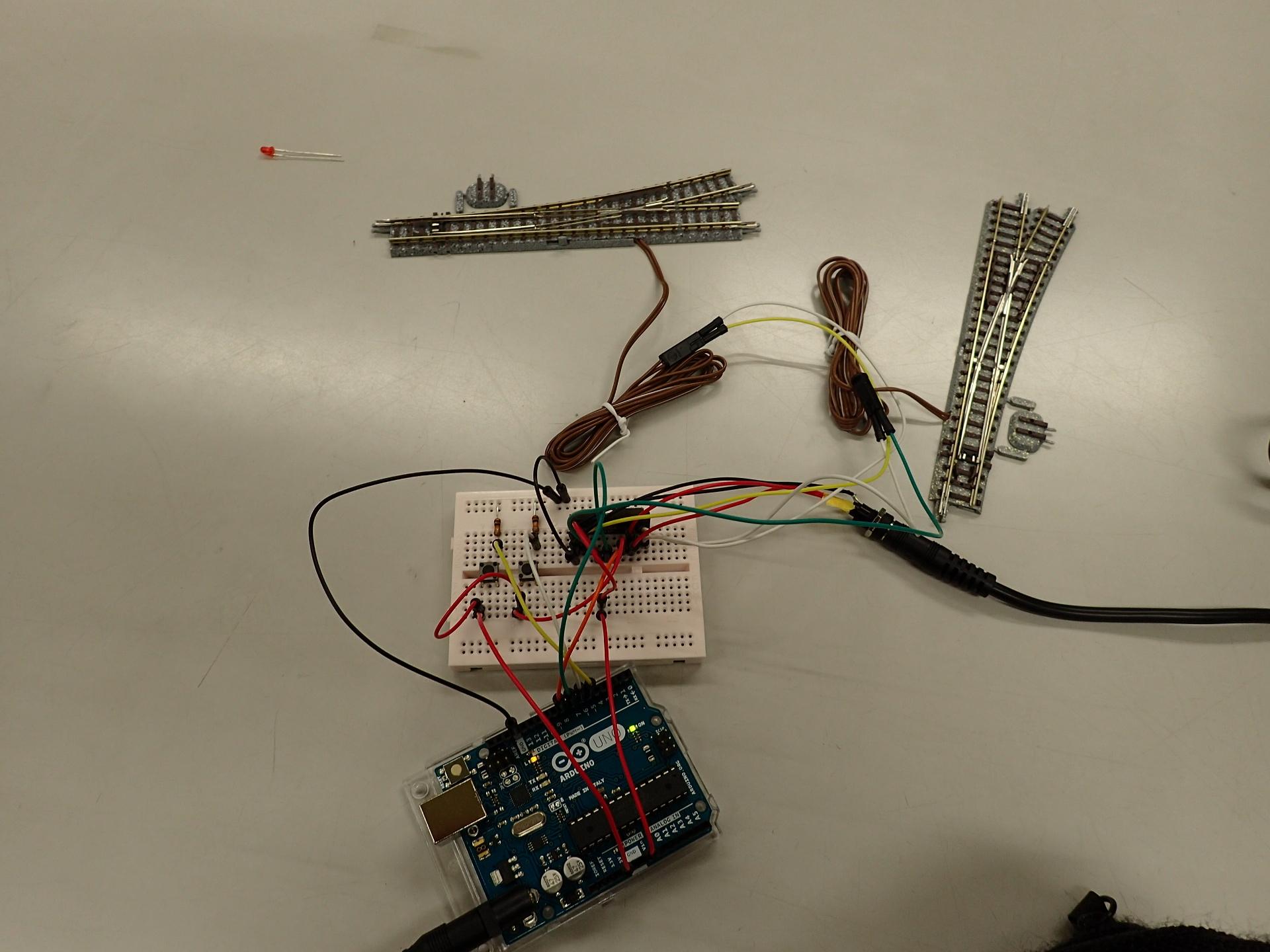 マイコン式ポイントスイッチを作りました。