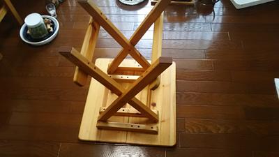 折り畳みテーブル裏