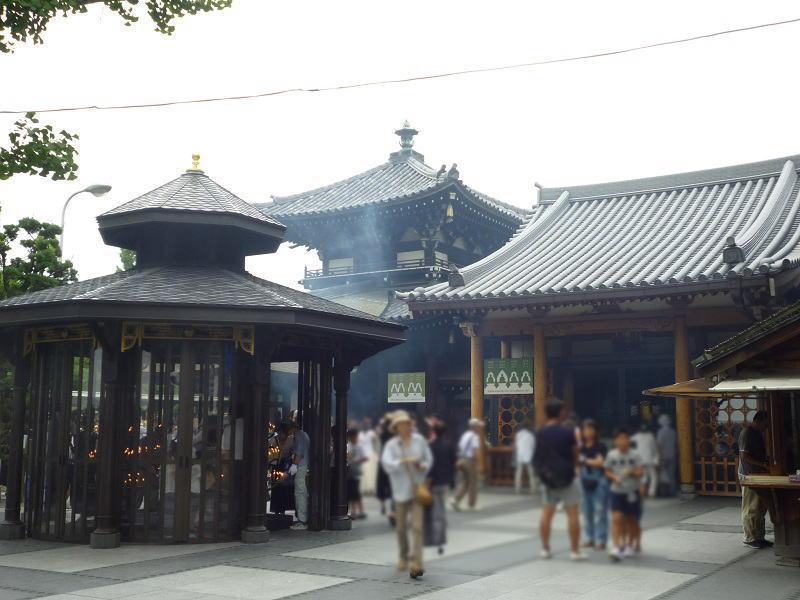 一心寺さんの境内