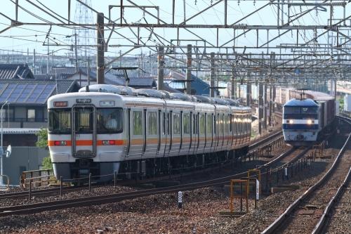 新快速米原行き・5074レ 下地駅