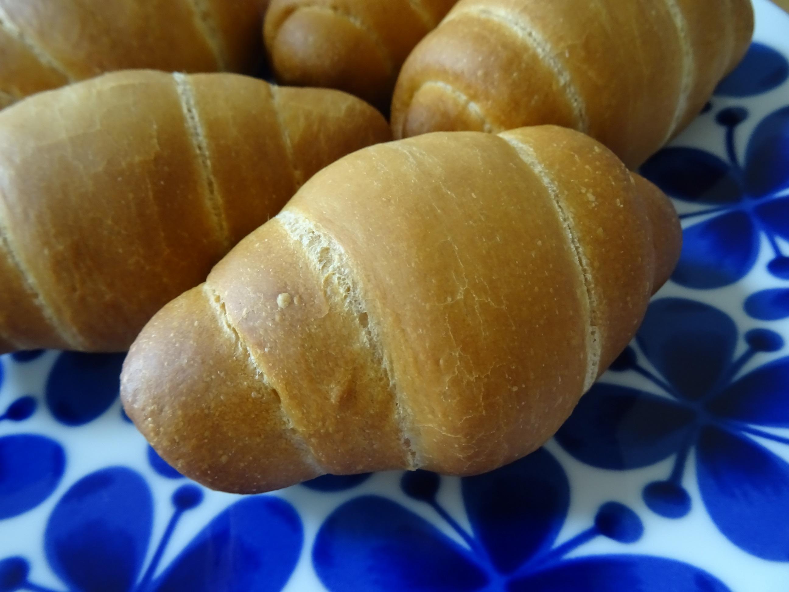 こんがりロールパン
