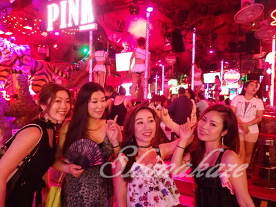 プーケットパトンビーチ夜遊びナイトツアー 女子旅