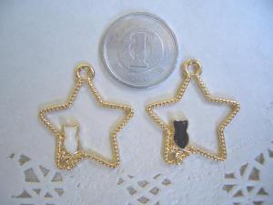 星と白ネコ、星と黒ネコ