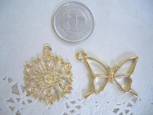 blog用:透かしの花・蝶の空枠