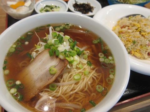 天福楼(炒飯+ラーメン定食)