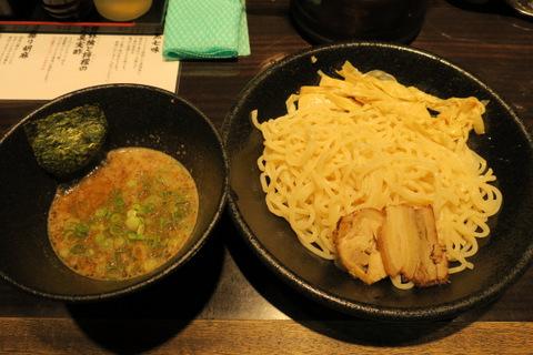 黒春晴(麺)