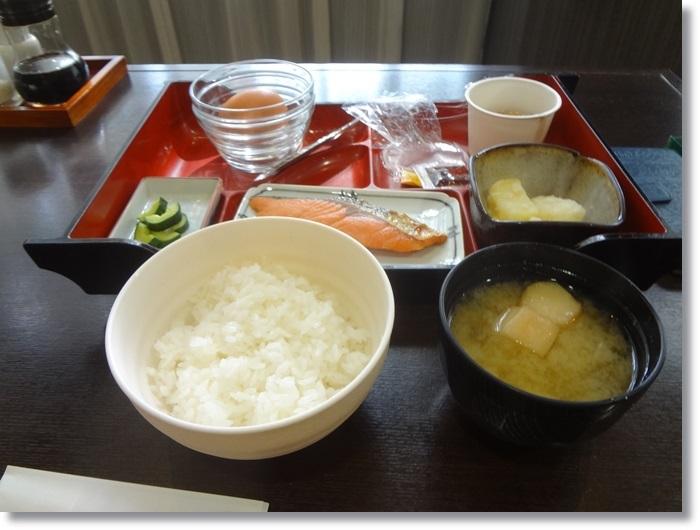 ホテル朝食DSC00413