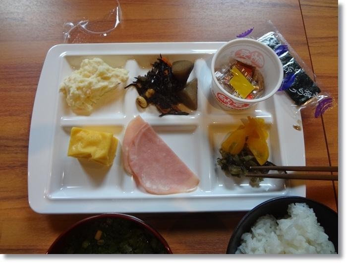 宿の朝飯DSC00522