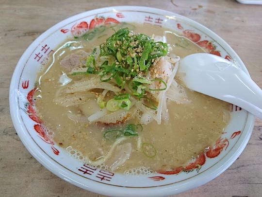 中華そば(ニンニク入)(450円)
