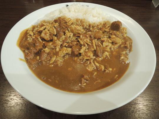 ビーフカレー+チキンにこみ(辛さ普通、ライス500g)(1083円)