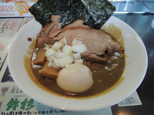 煮干豚骨らぁ麺(1100円)