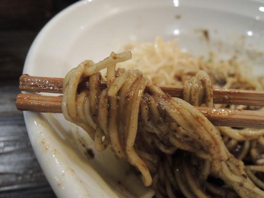 牡蠣玉の麺