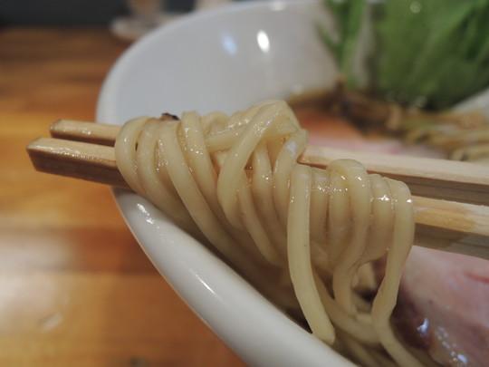 醤油ら~めんの麺
