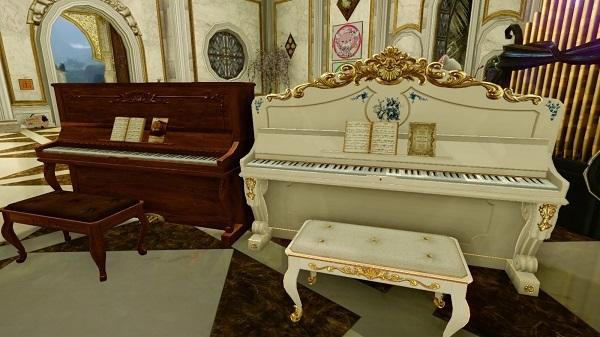 8月17日お城に新ピアノ2台