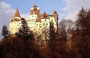ルーマニア ドラキュラ伝説ブラン城 300px-Bran_Castle wikipedia