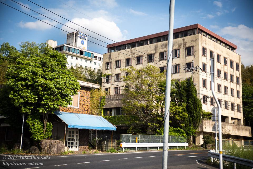 作陽音楽大学常盤寮、カフェの廃墟、津山プラザホテル 全景
