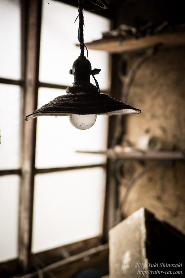 灯火管制的電燈