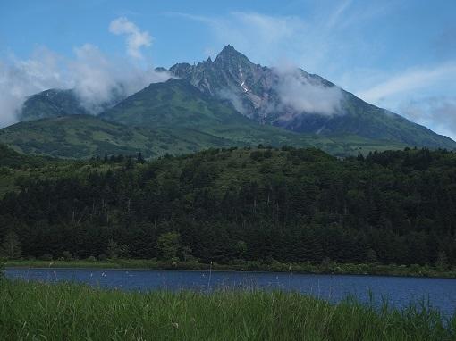 オタドマリ湖より利尻富士