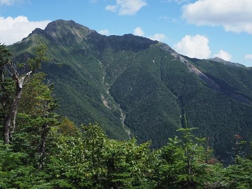 本谷山下山中から塩見岳