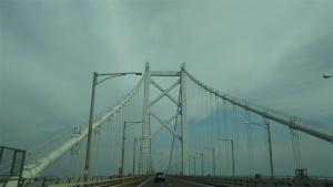ポニョ子瀬戸大橋を渡る