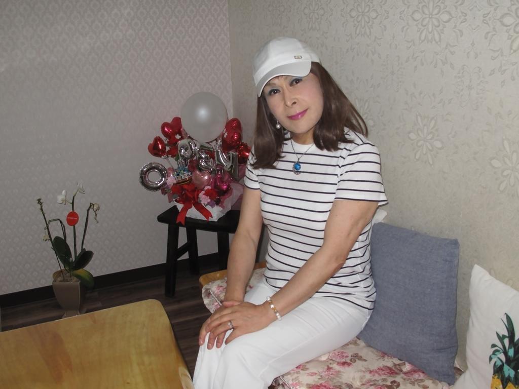 白パンツボーダーシャツカラオケ(5)