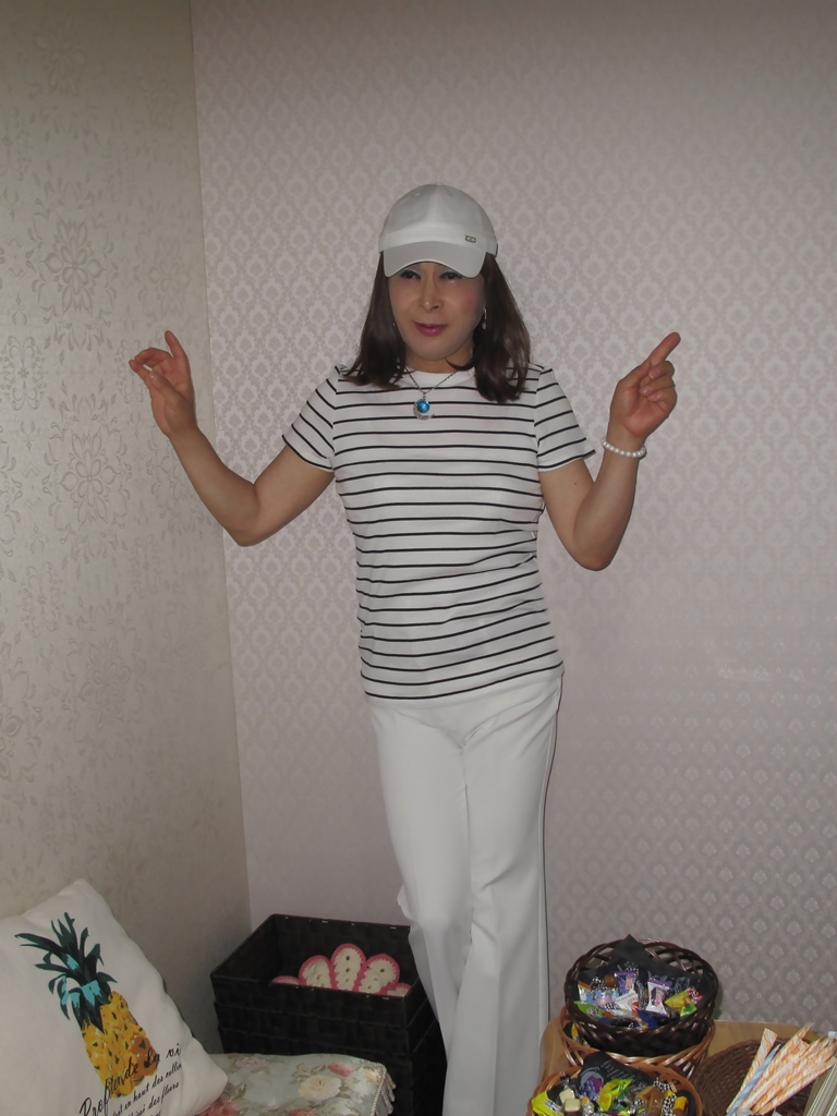 白パンツボーダーシャツカラオケ(4)