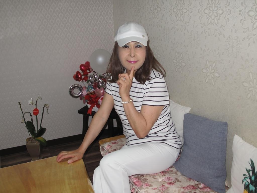 白パンツボーダーシャツカラオケ(7)