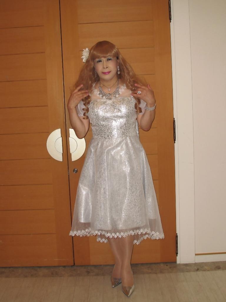 銀色のショートドレスB(2)