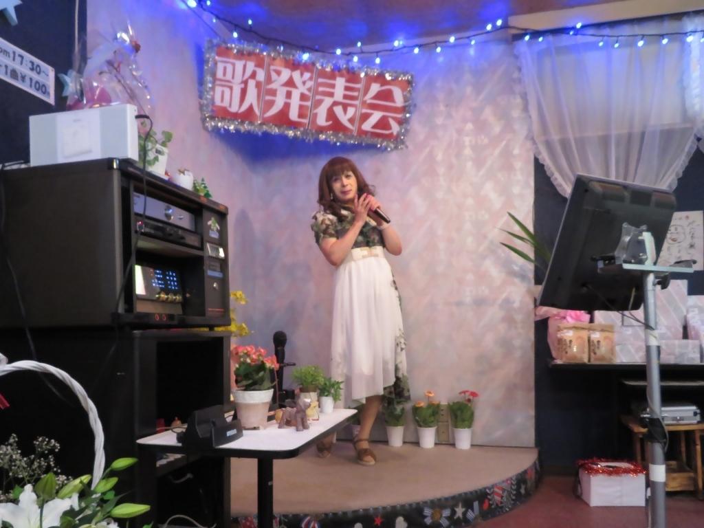 緑シフォンマキシドレスカラオケ(4)