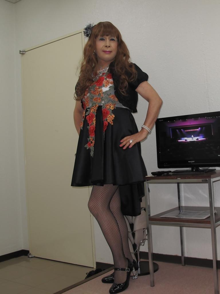 黒フロントオープンドレス控室(6)