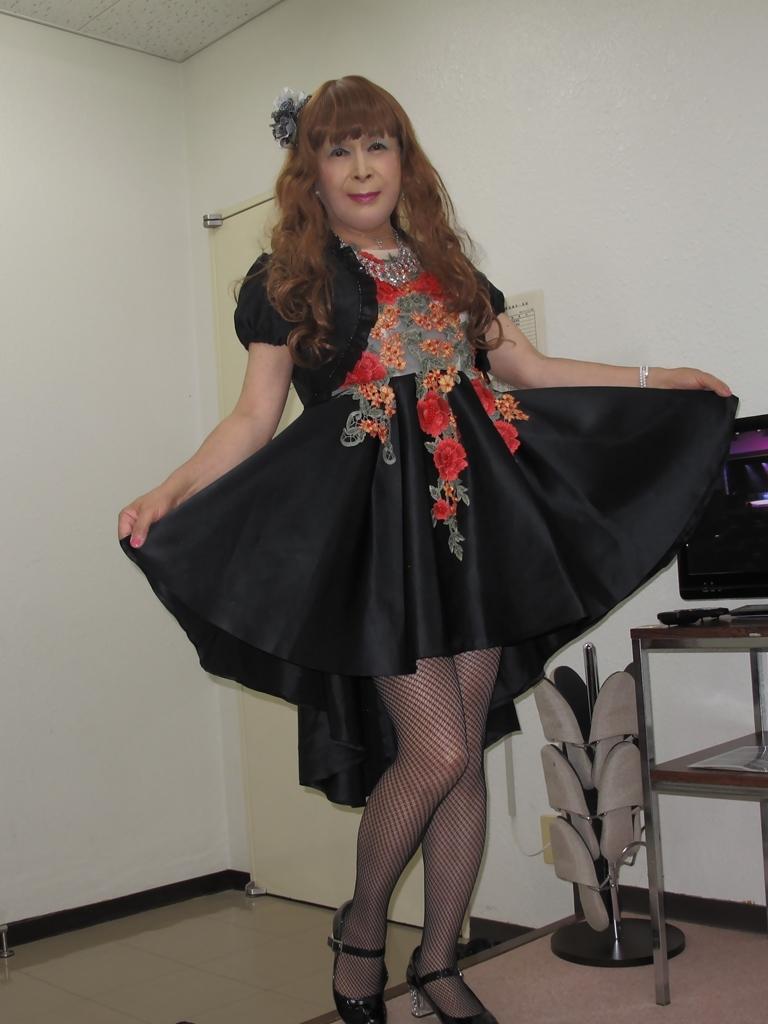 黒フロントオープンドレス控室(7)