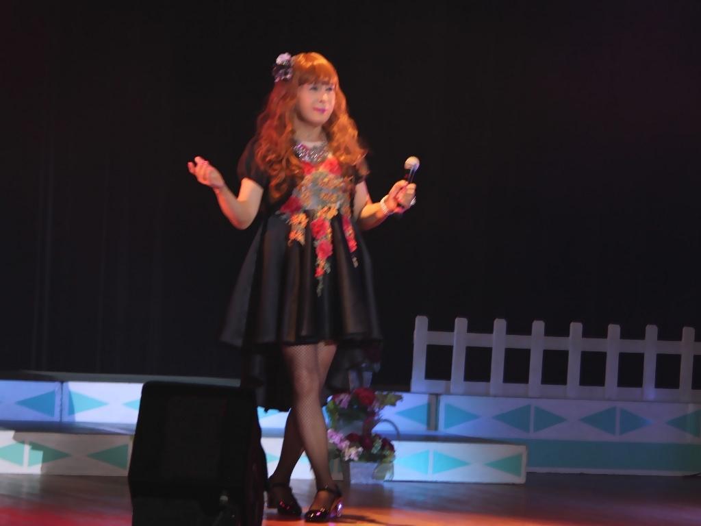 黒フロントオープンドレス舞台(9)