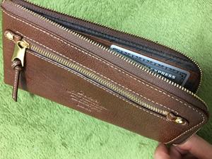 ダコタの長財布