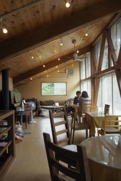 H29090205cafe-en.jpg