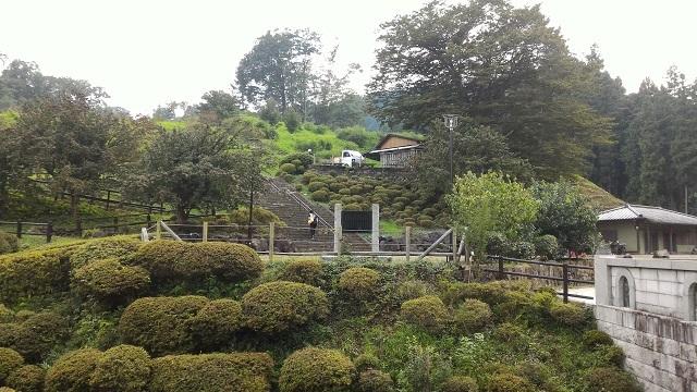 梅見橋から日本庭園