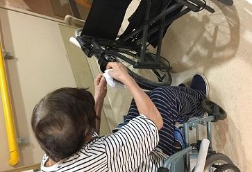 東京都 足立区 老人保健施設 千寿の郷 通所リハビリ デイケア 入所 短期入所 車椅子 掃除