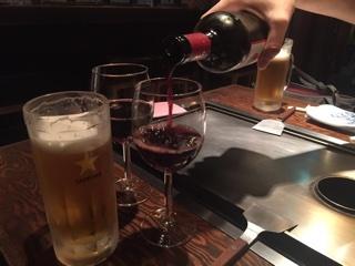 生ビール(エビス)と赤ワインボトル(バリアッジョロッソ)